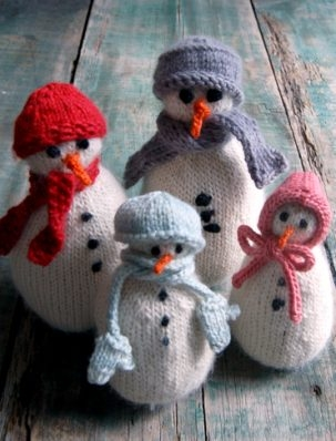 SnoBuddy Family from Knitting at KNoon | Purl Soho