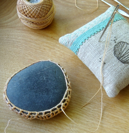 Margaret Oomen's Little Urchin Crochet Covered Sea Stones | Purl Soho