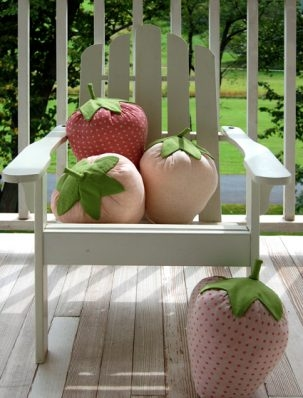 Strawberry Pillows | Purl Soho