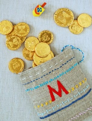 Embroidered Dreidel Game Pouches | Purl Soho
