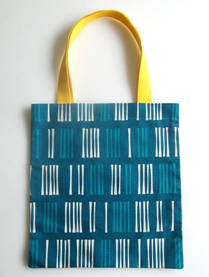 Twenty Minute Totes in Outside Oslo Fabric | Purl Soho