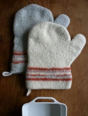 Felted Thanksgiving Oven Mitts | Purl Soho