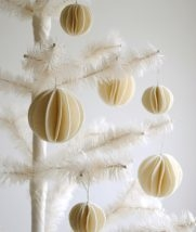 Felt Snow Ball Ornaments | Purl Soho