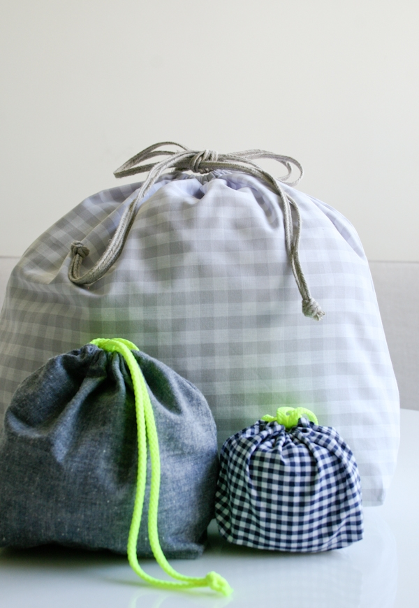 Knitting Pattern Small Drawstring Bag : Easy Drawstring Bag: Four New Sizes! Purl Soho
