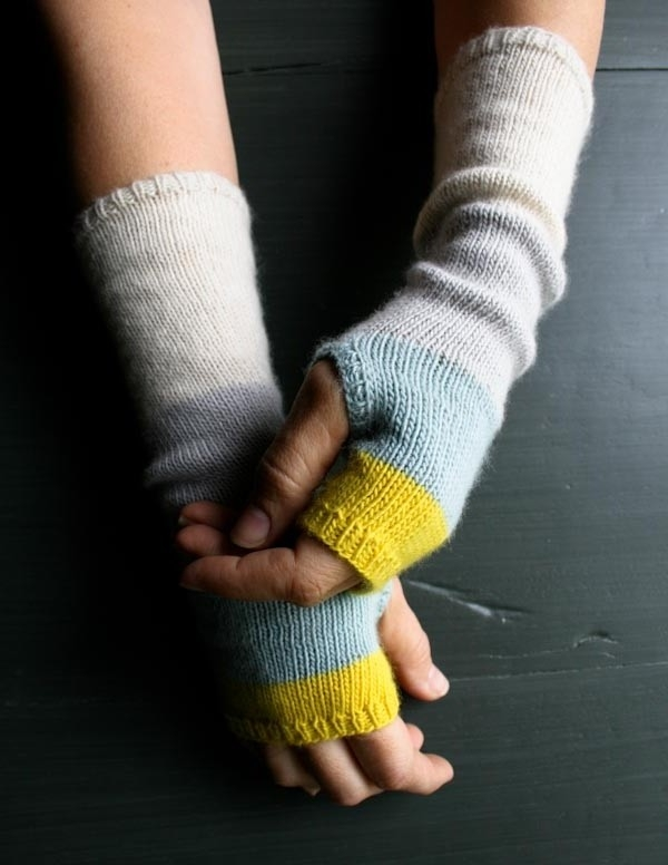 line-weight-colorblock-handwarmers-banner-1