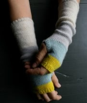 Line Weight Colorblock Hand Warmers | Purl Soho
