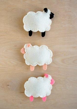 Purl Soho's Little Lamb Finger Puppets   Purl Soho