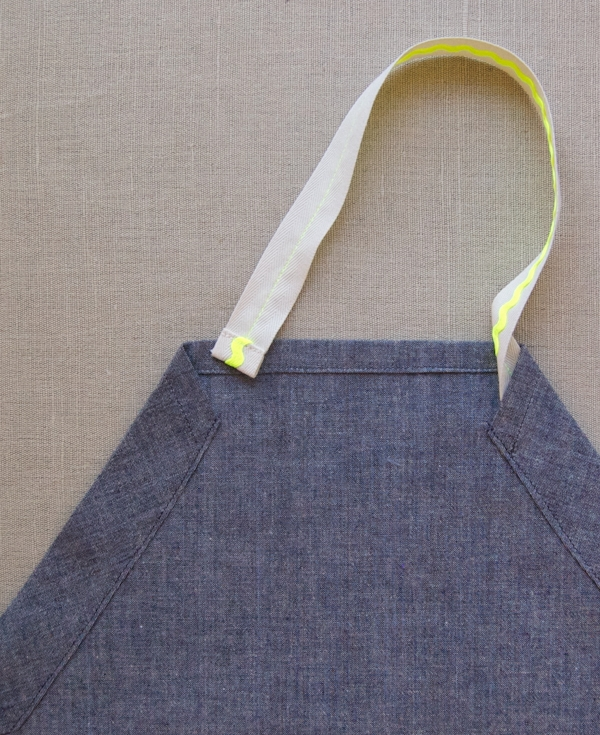 Kid's Rick Rack Apron 600-11