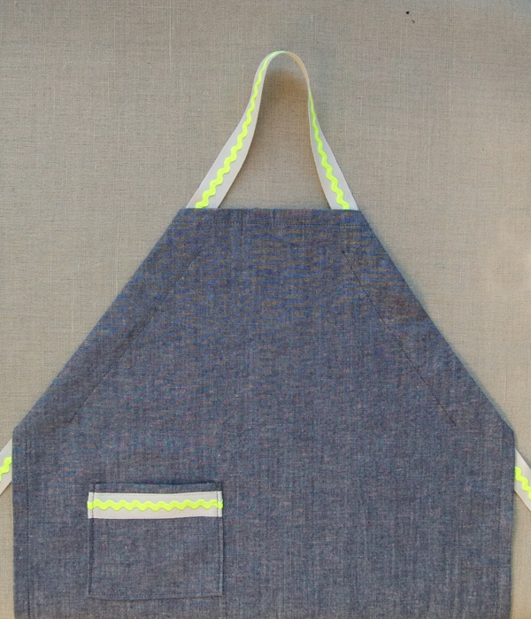 Kid's Rick Rack Apron 600-12