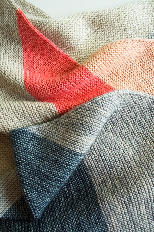 Knitting Two Color Bee Stitch : Colorblock Bias Blanket Purl Soho