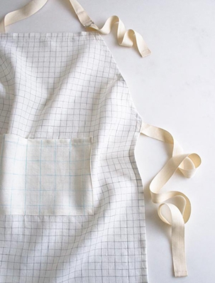 Simple Linen Apron in Linen Grid | Purl Soho