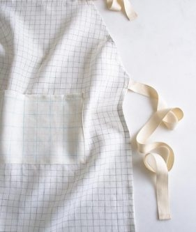 Simple Linen Apron in Linen Grid