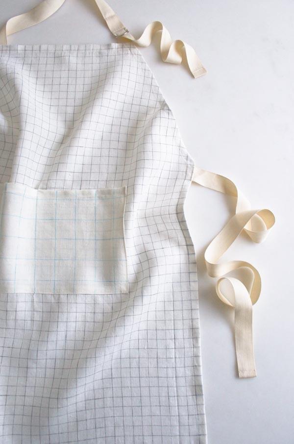 Simple Linen Apron in Linen Grid
