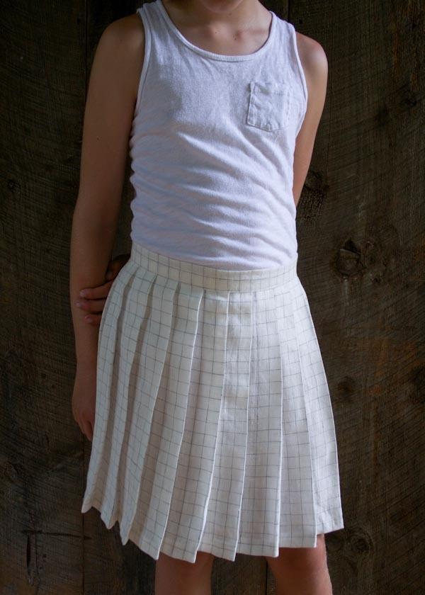 Pleated Skirt in Linen Grid