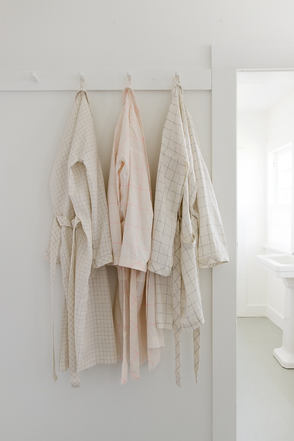 Women's Robe in Linen Grid
