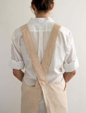 Cross Back Apron in Watercolor Linen | Purl Soho