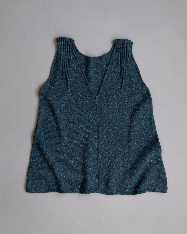 Ainur Berkimbayeva For Purl Soho: Tiny Tucks Top | Purl Soho